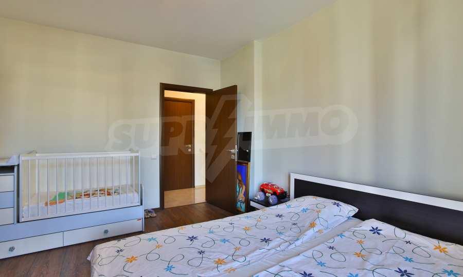 3-Raum-Apartment im geschlossenen Komplex Flora Park 14