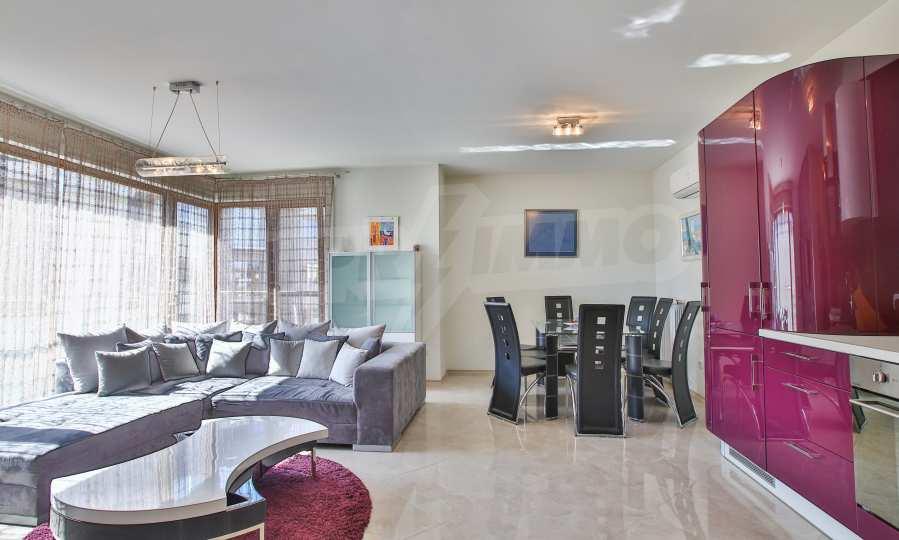 3-Raum-Apartment im geschlossenen Komplex Flora Park 2