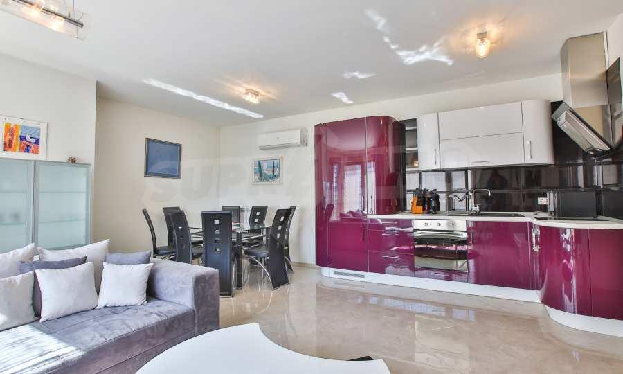 3-Raum-Apartment im geschlossenen Komplex Flora Park 3
