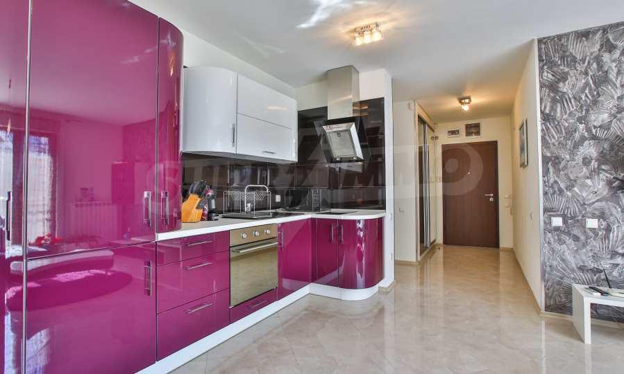 3-Raum-Apartment im geschlossenen Komplex Flora Park 4