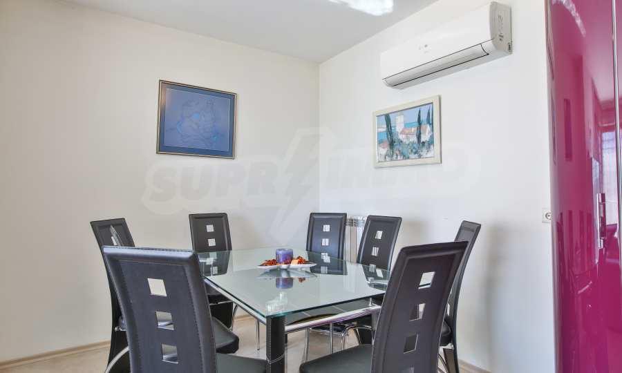 3-Raum-Apartment im geschlossenen Komplex Flora Park 5