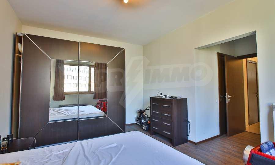 3-Raum-Apartment im geschlossenen Komplex Flora Park 7