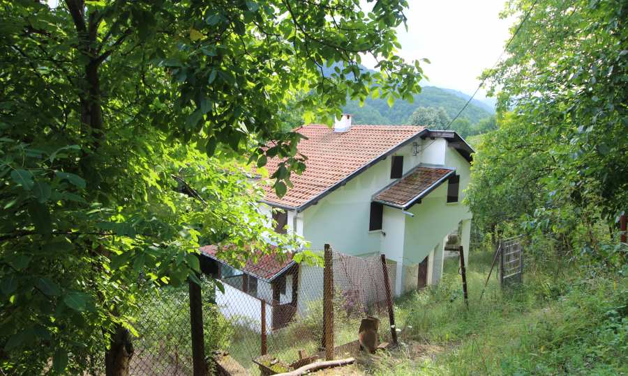 Renoviertes zweistöckiges Haus in einem Dorf, 10 km von Gabrowo entfernt 1