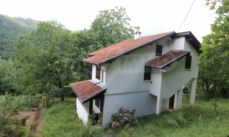Renoviertes zweistöckiges Haus in einem Dorf, 10 km von Gabrowo entfernt 2