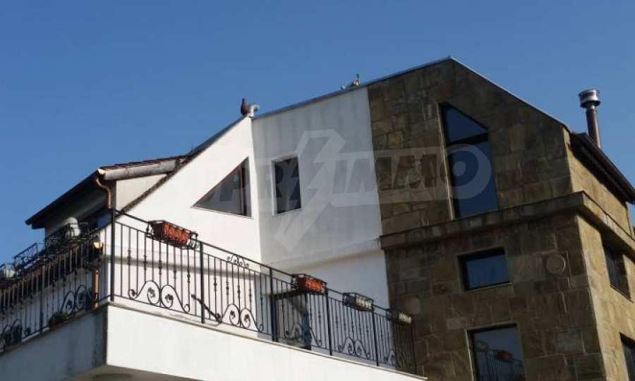 Neubau-Hotel vom Typ Residenz mit einem Lokal im Strandzha-Gebirge und neben Lozenets 4