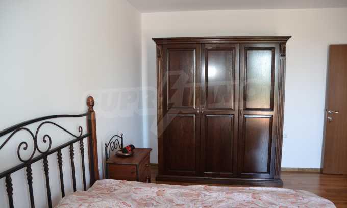 Haus im klassischen Stil in der Nähe von Varna  18