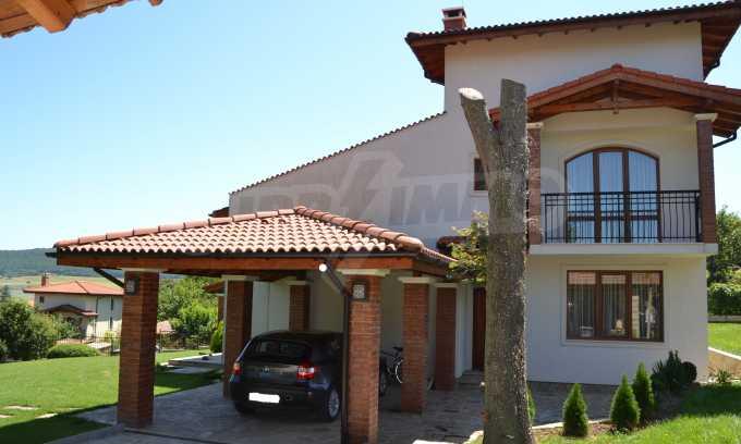 Haus im klassischen Stil in der Nähe von Varna  2