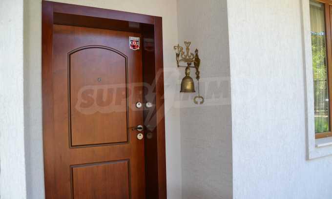 Haus im klassischen Stil in der Nähe von Varna  5