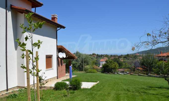 Haus im klassischen Stil in der Nähe von Varna  6