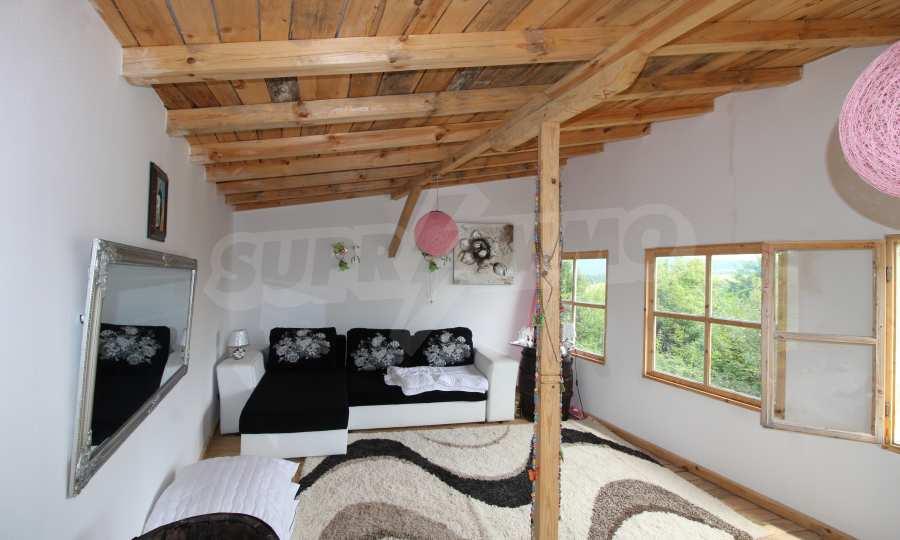 Kleine Villa im Gebirge, 18 km von der Stadt Elena entfernt 9
