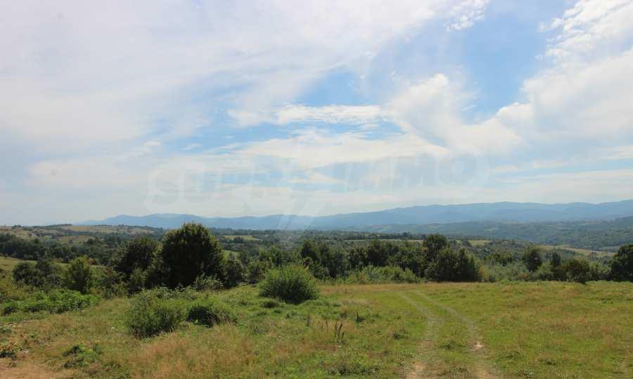 Kleine Villa im Gebirge, 18 km von der Stadt Elena entfernt 1
