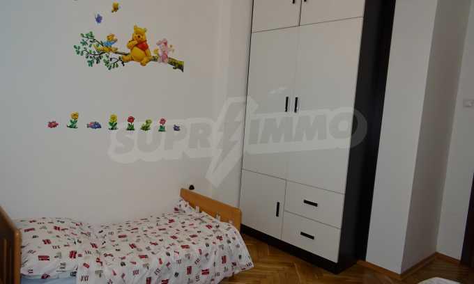 Komplett möbliertes 3-Raum-Apartment im Bezirk des Bahnhofs 17