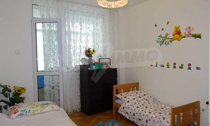 Komplett möbliertes 3-Raum-Apartment im Bezirk des Bahnhofs 18