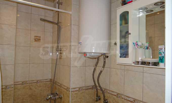 Komplett möbliertes 3-Raum-Apartment im Bezirk des Bahnhofs 8