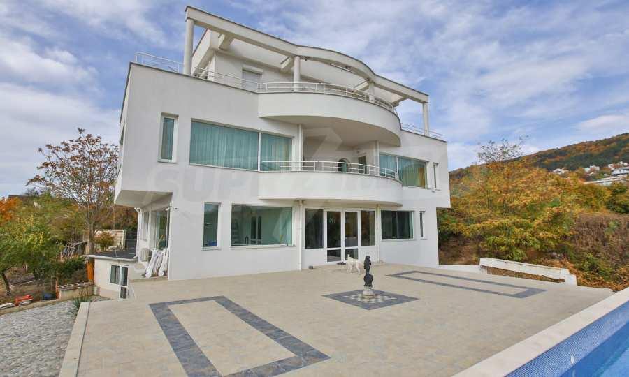 Stilvolles Haus Art Deco mit Infinity-Schwimmbad und einer unendlichen Meeraussicht 25