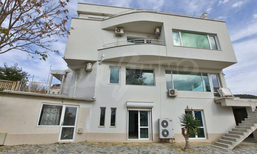 Stilvolles Haus Art Deco mit Infinity-Schwimmbad und einer unendlichen Meeraussicht 4