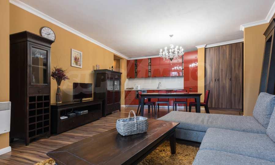 Luxuriös möbliertes 2-Raum-Apartment im Stadtteil Bris, Warna 1