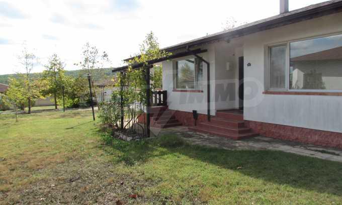 Breites Haus 11 km vom Meer entfernt, Gemeinde Warna 2