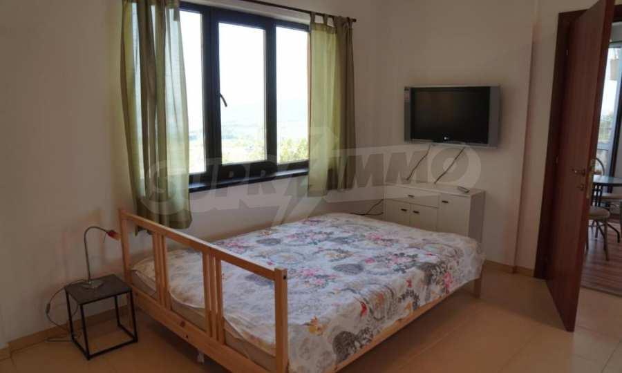 Breites 3-Raum-Apartment im Komplex in der Stadt Byala, Gemeinde Warna 9