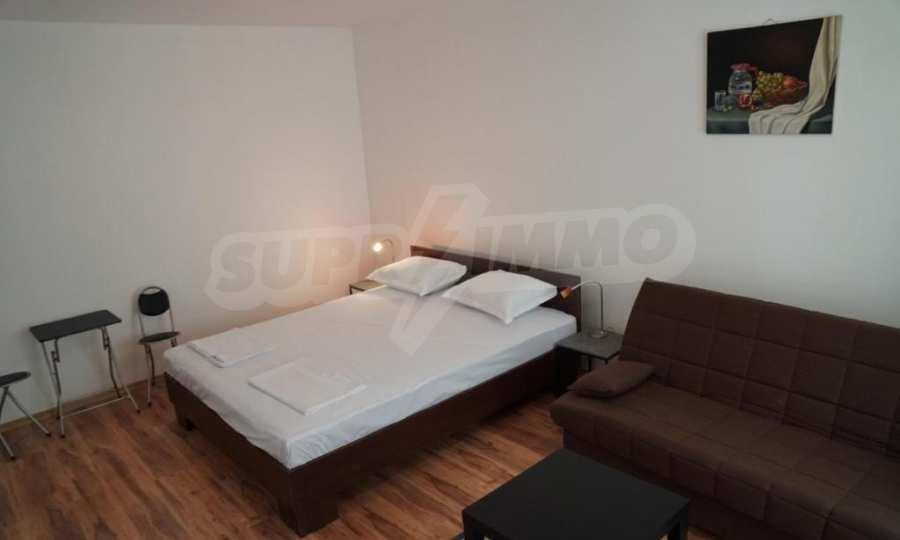 Breites 3-Raum-Apartment im Komplex in der Stadt Byala, Gemeinde Warna 3