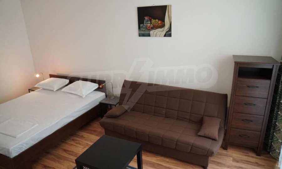 Breites 3-Raum-Apartment im Komplex in der Stadt Byala, Gemeinde Warna 4
