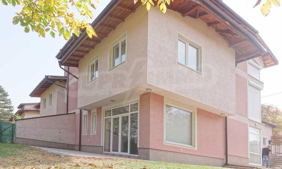 Haus mit Panorama-Aussicht in Bankya