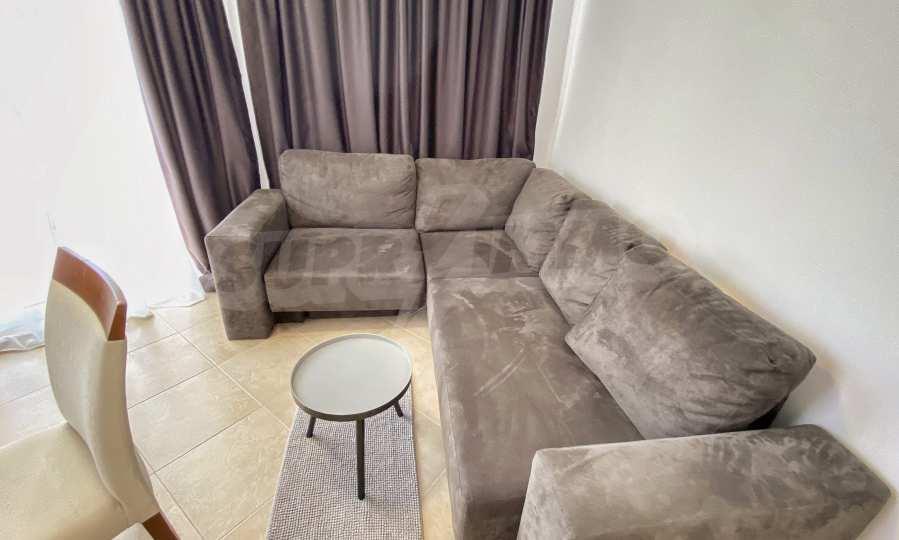 Роскошно меблированная трехкомнатная квартира в комплексе Емберли (квартира №201).