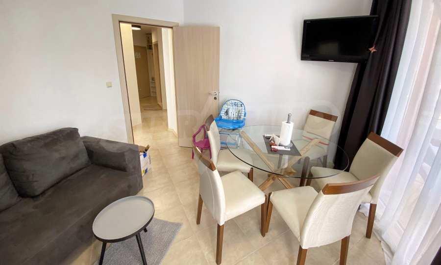 3-Raum-Apartment in der Nähe vom Strand im Komplex Emberli in Lozenets 9
