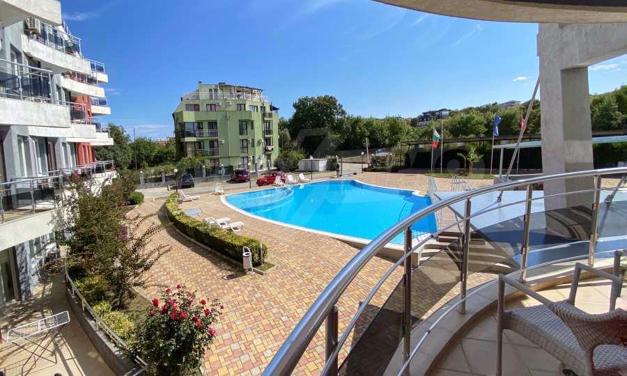 3-Raum-Apartment in der Nähe vom Strand im Komplex Emberli in Lozenets 3