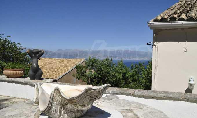 Renoviertes Haus mit Meerblick auf nordöstlichem Korfu 12