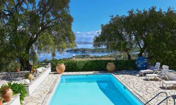 Renoviertes Haus mit Meerblick auf nordöstlichem Korfu 24