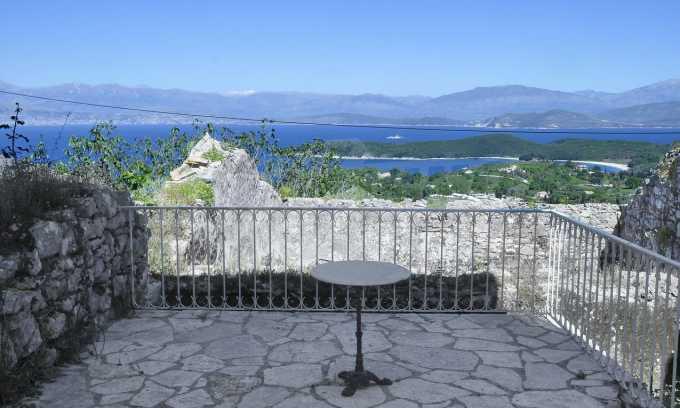 Renoviertes Haus mit Meerblick auf nordöstlichem Korfu 4