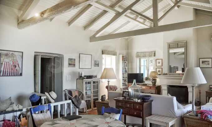 Renoviertes Haus mit Meerblick auf nordöstlichem Korfu 8