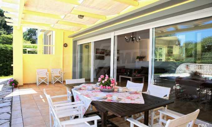 Hervorragende Meeresvilla auf nordöstlichem Korfu 4