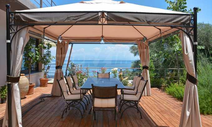 Moderne Villa in Benitses auf Korfu, 80 m vom Meer entfernt