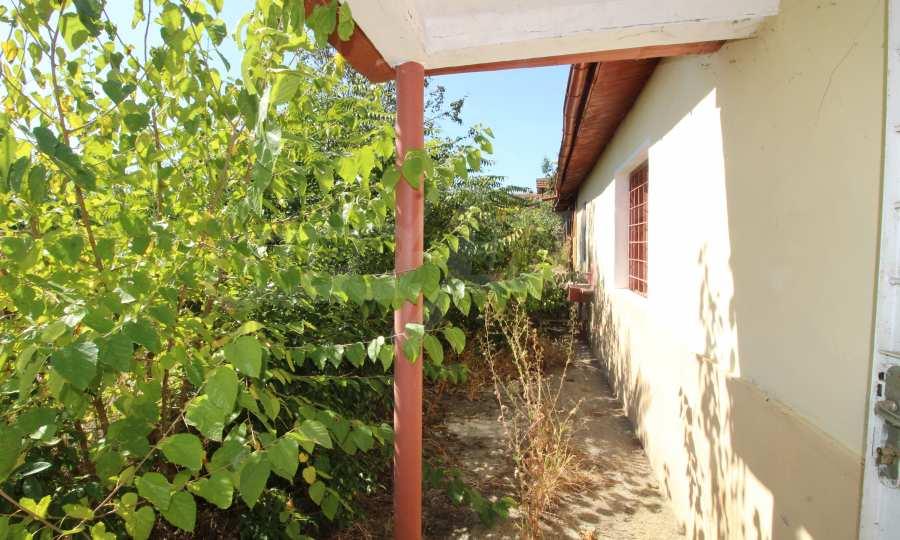Zweistöckiges Haus mit Hof in einem Dorf, 9 km vom Fluss Donau entfernt 16