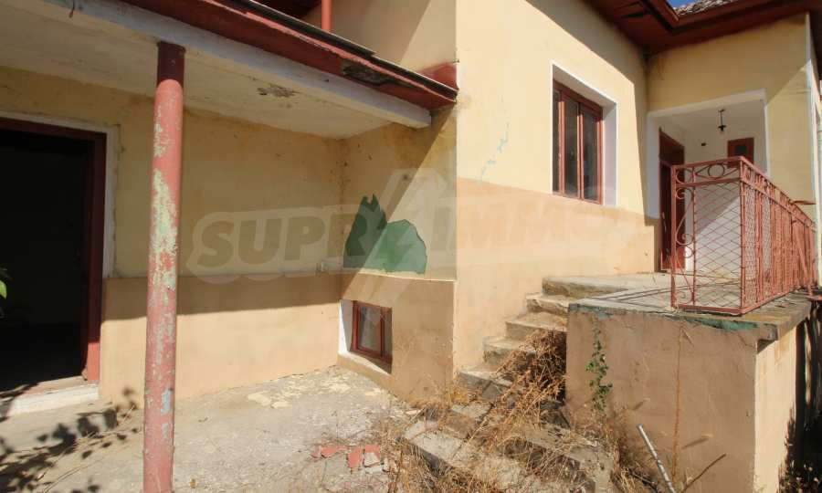 Zweistöckiges Haus mit Hof in einem Dorf, 9 km vom Fluss Donau entfernt 17