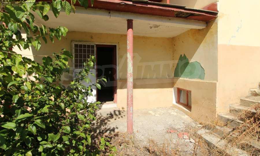 Zweistöckiges Haus mit Hof in einem Dorf, 9 km vom Fluss Donau entfernt 18