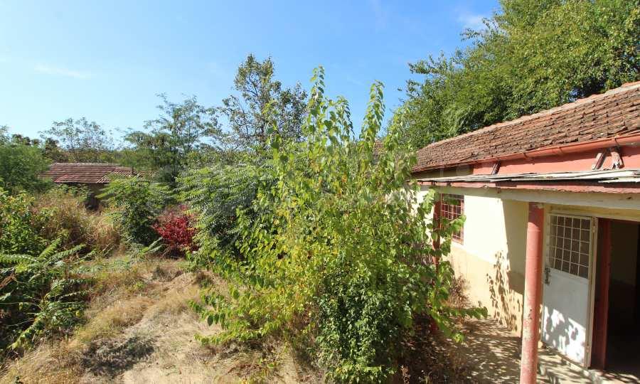 Zweistöckiges Haus mit Hof in einem Dorf, 9 km vom Fluss Donau entfernt 20
