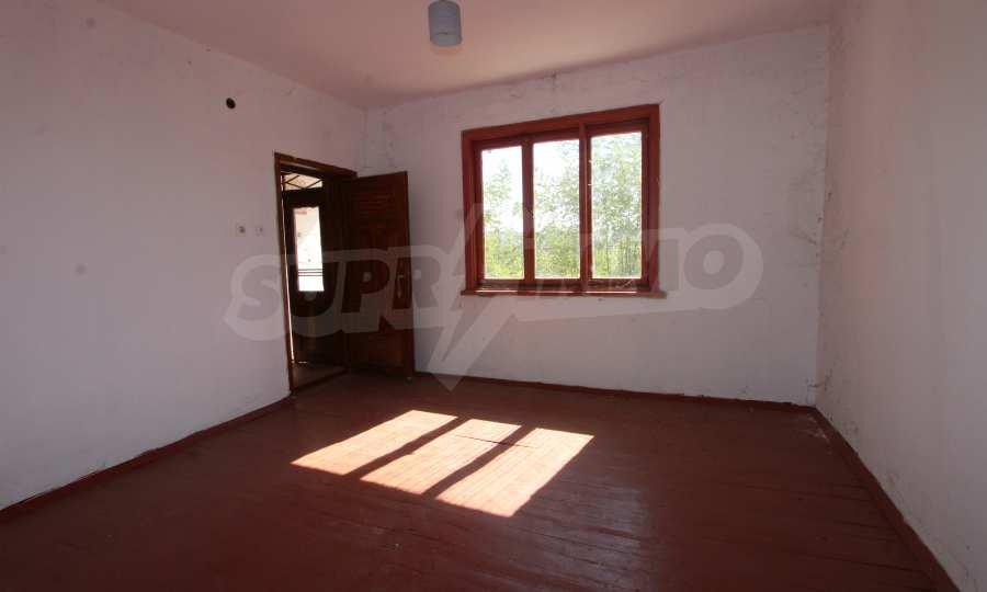 Zweistöckiges Haus mit Hof in einem Dorf, 9 km vom Fluss Donau entfernt 26