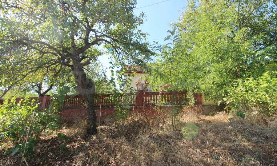 Zweistöckiges Haus mit Hof in einem Dorf, 9 km vom Fluss Donau entfernt 3