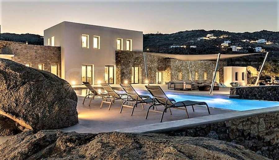 Eindrucksvolle Villa in einer weltweit berühmten Lage - Agrari Beach auf Mykonos