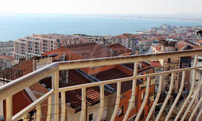 2-Raum-Dachwohnung mit Panoramablick über Meer in Sweti Wlas