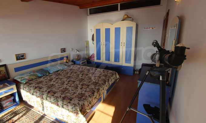 2-Raum-Dachwohnung mit Panoramablick über Meer in Sweti Wlas 11