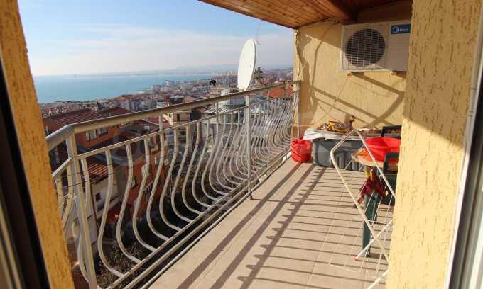 2-Raum-Dachwohnung mit Panoramablick über Meer in Sweti Wlas 21