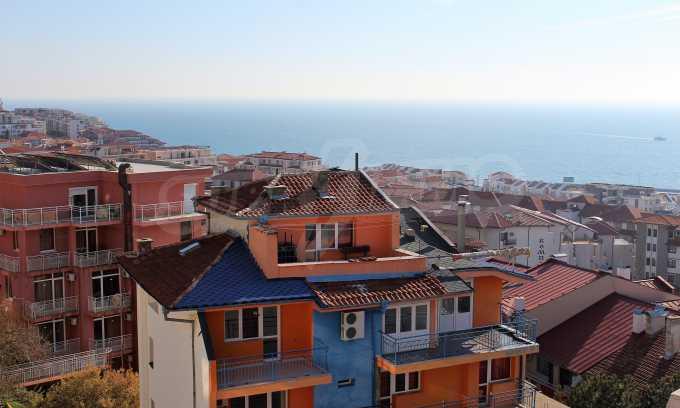 2-Raum-Dachwohnung mit Panoramablick über Meer in Sweti Wlas 24