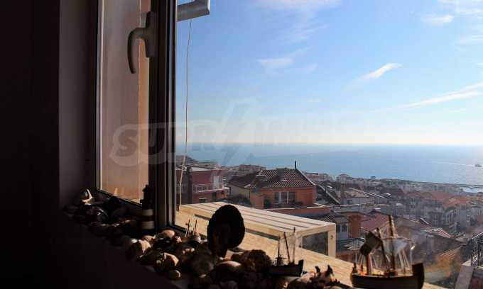 2-Raum-Dachwohnung mit Panoramablick über Meer in Sweti Wlas 25