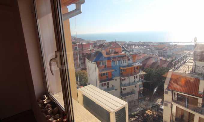 2-Raum-Dachwohnung mit Panoramablick über Meer in Sweti Wlas 3