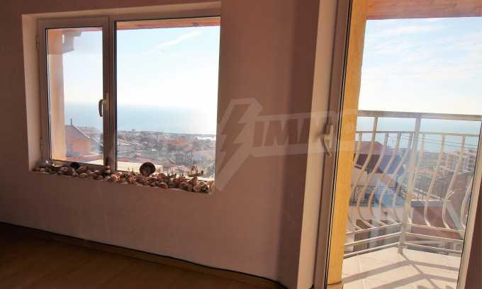2-Raum-Dachwohnung mit Panoramablick über Meer in Sweti Wlas 4