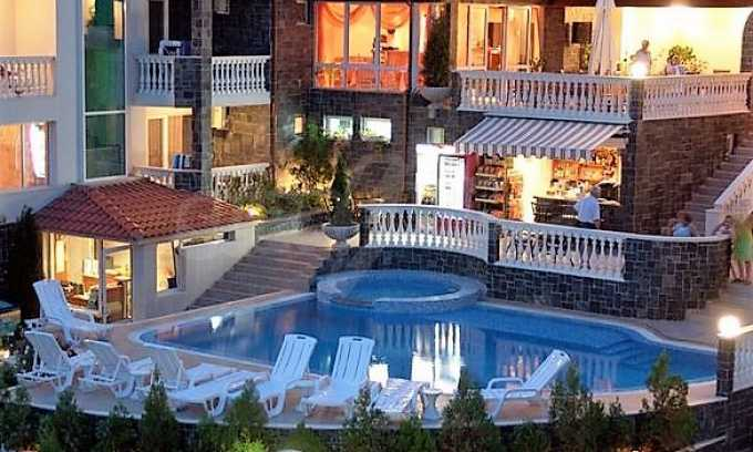 Familienhotel mit Aussichten auf Meer und Gebirge in Sveti Vlas 1